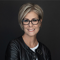 Kim Boudreau Smith - Kim coaches women to become more visible and create a larger impact through speaking so opportunities are not left on the table!